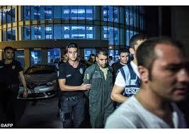 Governo Turchia : arrestati membri dell'esercito